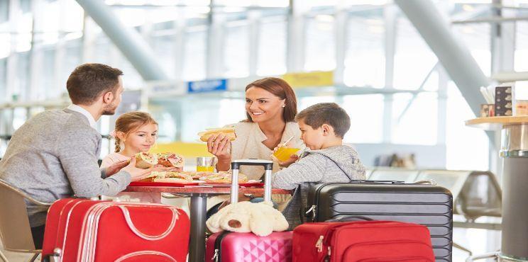 Toronto Pearson eating spots