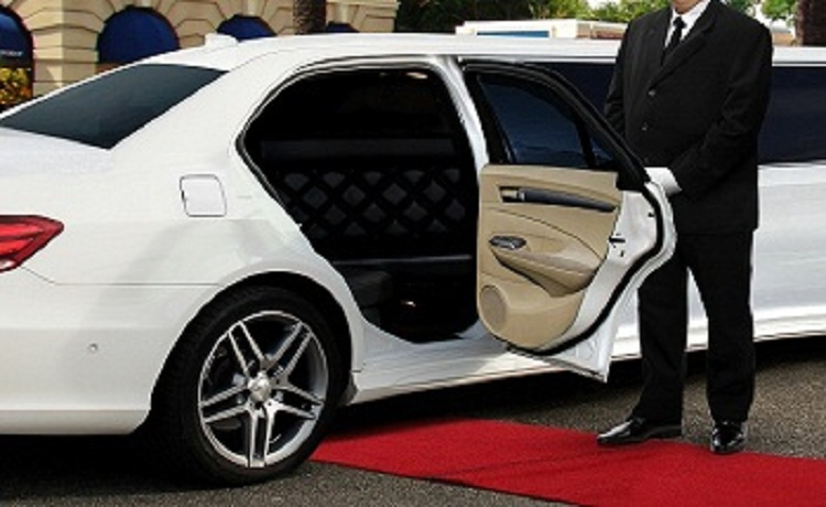 hiring-an-airport-limo